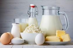 Молочные продукты - причина вздутия внизу живота