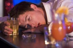 Злоупотребление алкоголем - причина рефлюкс гастрита