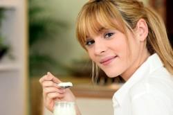 Польза йогуртов при вздутии живота