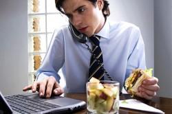 Быстрый прием пищи как причина несварения желудка