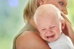 Плач - симптом колик